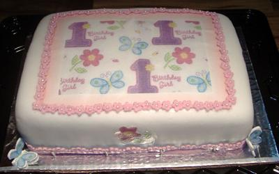 Girl Birthday Cakes on Baby Girl Birthday Cake
