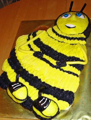 Bee Movie Cake