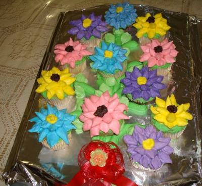 Colorful Faces of Summer Bouquet of Flowers Cake