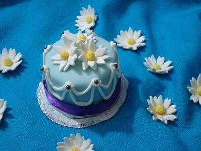 Daisy Daisy Wedding Cupcake
