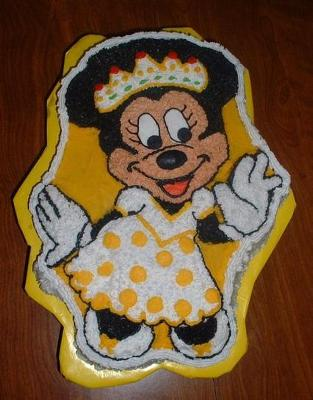 Minnie Mouse Cake Goes in Yellow!!