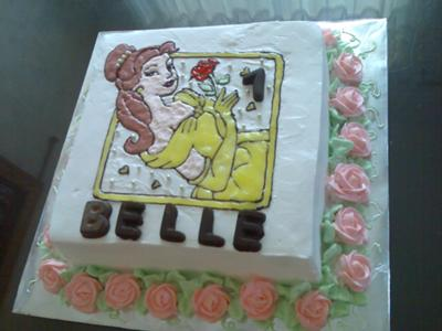 For this Princess Belle birthday cake, I used tracing method that I used for
