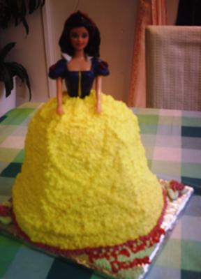 Devine's Snow White Birthday Cake