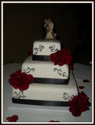 Square Simple Yet Gorgeous Wedding Cake