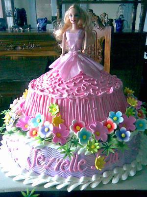 Barbie Inspires Cake